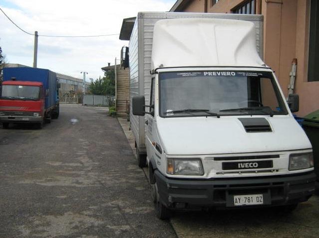 noleggio-furgone-centinato-verona-13
