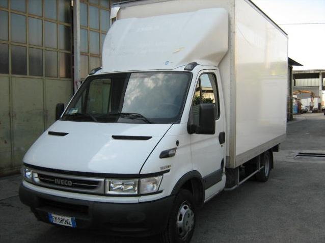 noleggio-furgone-centinato-verona-5
