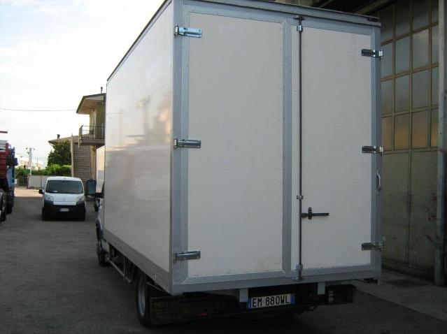 noleggio-furgone-centinato-verona-8