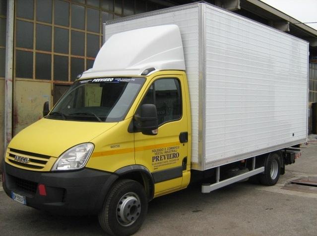 noleggio-furgone-centinato-verona